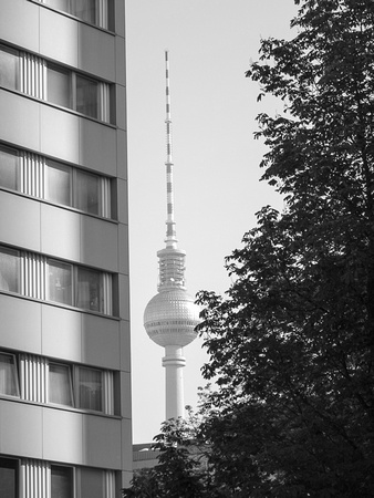 Fernsehturm, behind the Fischerinsel